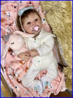 21 Chubby Reborn Baby Doll Soft Vinyl Newborn 0-3 Month Realistic Girl Charlize